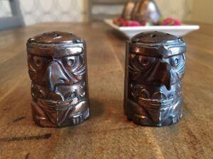 Vintage 1960s metal Totem Pole Canadian Salt/pepper