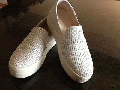 Russell & Bromley J / Slides white leather flat slip on sneaker size 5/38