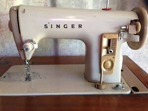 Singer Sewing Machine VINTAGE 1963 Slacks Creek Logan Area Preview