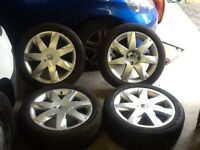 Renault 17inch original 5 stud alloy wheels very good tyres matching
