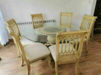 CAN DELIVER - BEAUTIFUL DINING TABLE WITH GLASS TOP AND 6 CHAIRS WITH CARVED LEGS IN GOOD CONDITION