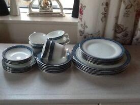 Wedgwood 'Cheltenham' bone china dinner service
