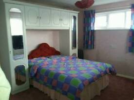 Large double room to rentg