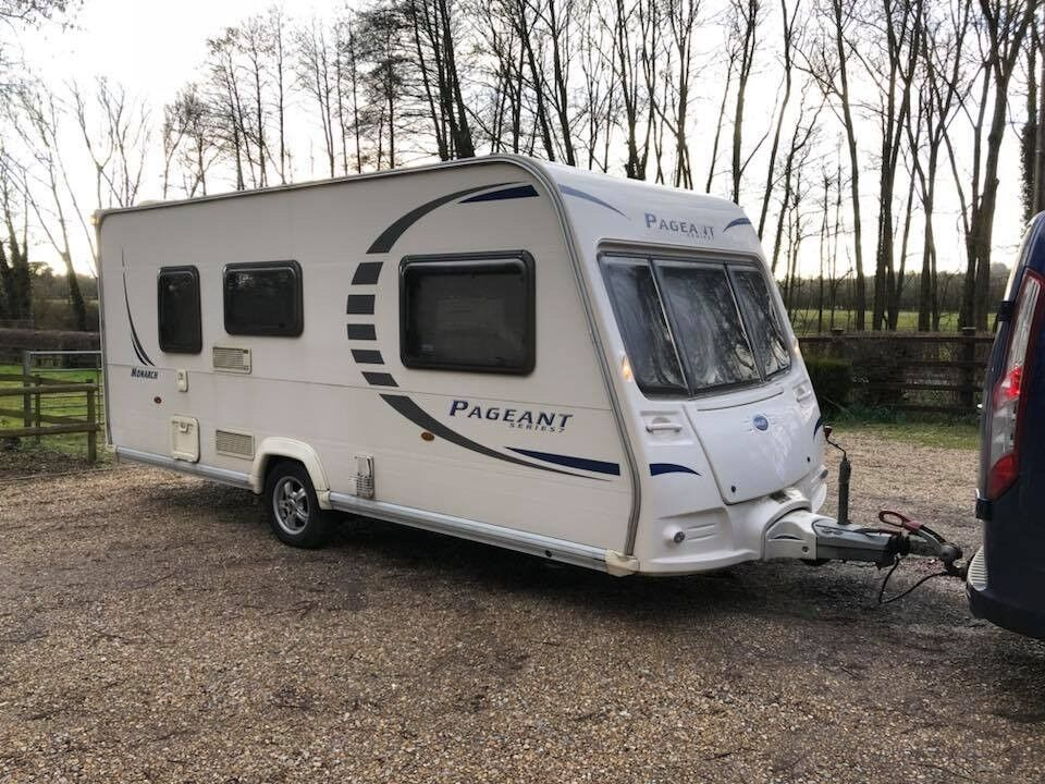 2010 Bailey Pageant Monarch 2 Berth Caravan LIGHT TO TOW VGC AWNING BARGAIN