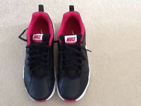 Ladies Nike T-Lite XI Trainers, size 6