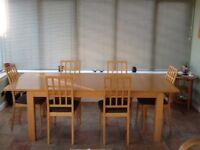 Dining table and 6 chaire