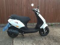 Piaggio Zip 49CC moped white 2012
