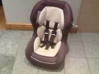 Lightweight group 0+1 rear and forward facing car seat for newborn upto 18kg(to 4yrs)washed &cleaned