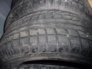 4 pneus d'hiver 235/70/16 Sonny Wot 18