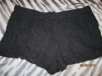 BLACK LACE SHORTS SIZE 18 GREAT FOR HOLIDAY OR NIGHT OUT CLUBBING