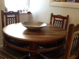 Dining room/kitchen table and four chairs vgc