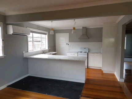 3 bdr house for rent from Oct 10