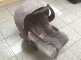 Graco first size car seat with carry handle and hood for newborn to 13kg-£15,Base if required is£10