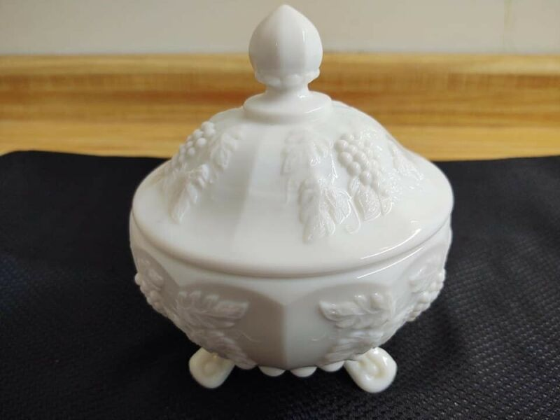 Westmoreland milk glass paneled grape tri footed lidded candy dish