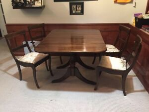 Duncan Phyfe drop leaf dining room table set