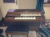 Yamaha FE30S electric organ