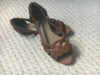Ladies New Look Wide Fit shoes size 5/38