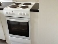 50cm Bush CFSEWH14 freestanding electric cooker white energy A rated 2 years old very good condition