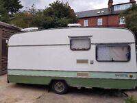 Towable caravan