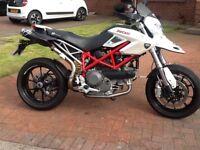 Ducati Hypermotard 1100 2010 plate