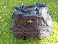 City Sport 3-compartment lawn or mat bowls bag
