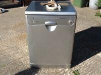 Indesit DI 67 dishwasher, 7 programmes including turbo drying