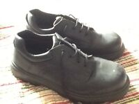 Men's size 12 workwear shoes