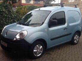 Renault kangoo com. Car derived van