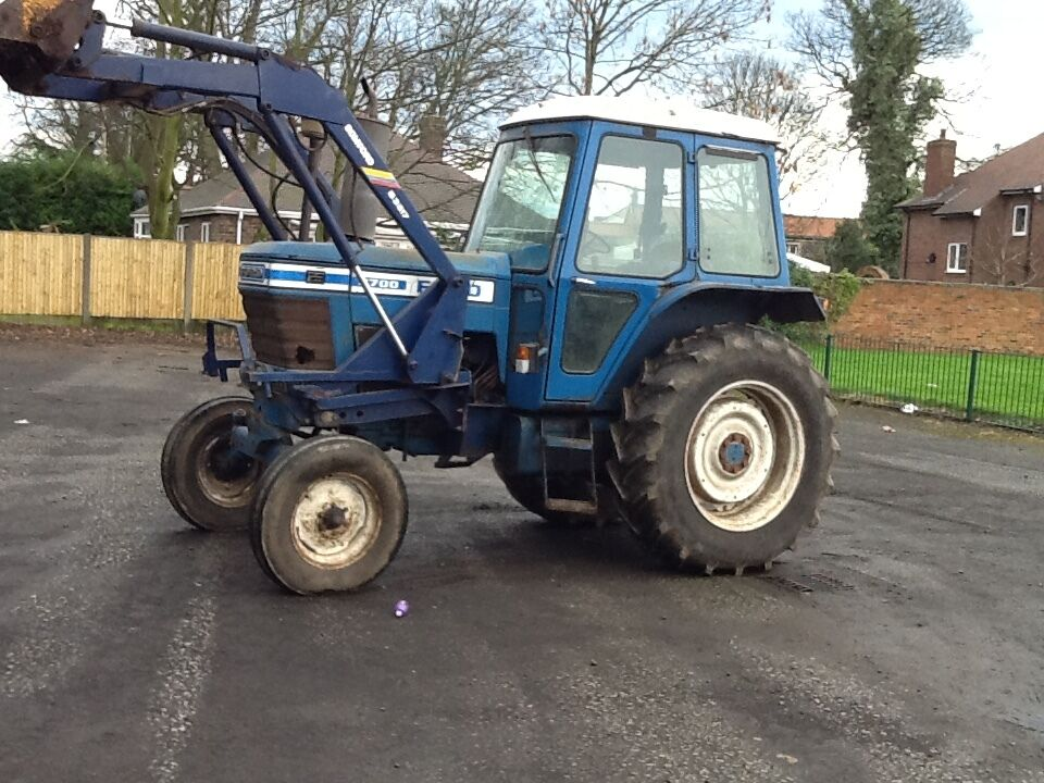 Ford 7600 Problems : Ford with new tyres and quick hitch bomford