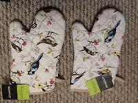 Pair of oven gloves garden bird design - New