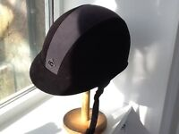 Charles Owen GR8 Riding Hat