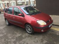 RENAULT MEGANE SCENIC 1.9 dci DIESEL VERY ECONOMICAL TO RUN CHEAP TO INSURE ALL 4 GOOD TYRES MOT 18