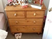 Beautiful Victorian antique pine chest of drawers