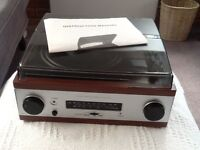 Derens turntable radio collectable and retro.