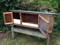 Large rabbit/guinea pig hutch