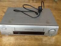 PHILLIPS VR 608 PLUG & PLAY TURBO DRIFE VIDEO RECORDER - WORKING BUT NO REMOTE CONTROL