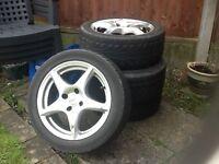 4 alloy wheels.