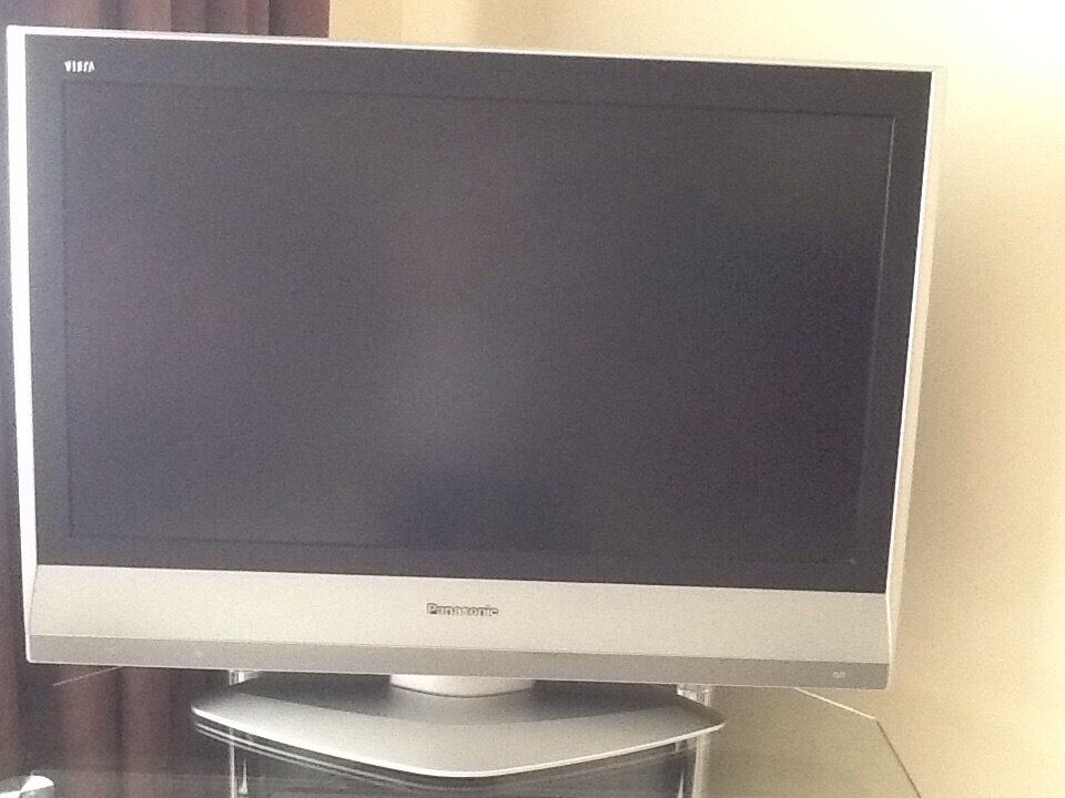 Panasonic Viera 32 Inch Black And Silver Lcd Tv