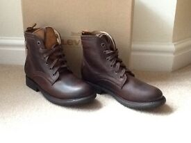 Levi Anderson boots Brown. Size 6.5