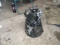 M ERCEDES VITO NEW SHAPE SIX SPEED GEARBOX / COMPLETE & REMOVED FOR EASY COLLECTION & TRANSPORTATION