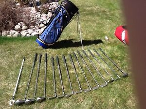 Golf club set with bag and/or travel bag with wheels