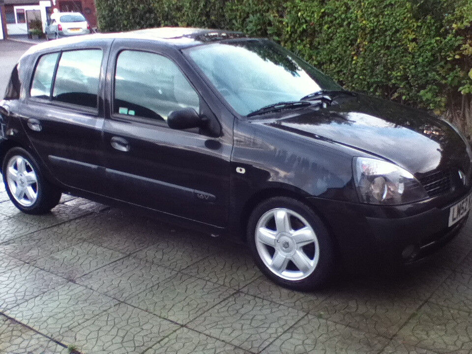 Renault clio 1.2 16v expression/Air con/power steering/airbags x2/45wx4 Kenwood