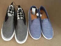 2 PAIRS YOUTH SHOES SIZE 5 CASUAL PULL-ON BLACK PAIR & BLUE PAIR : NEW WITH TAGS ON