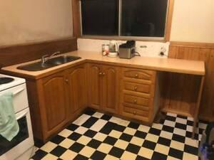 Fine Kitchen Bench And Sink Good Condition Other Kitchen Uwap Interior Chair Design Uwaporg