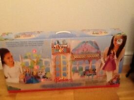 Barbie Doll Royal Castle Greenhouse ideal Christmas present