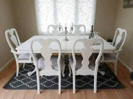 Stunning Extending Dining Table And Chairs