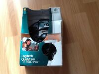 Logitech quickcam e3500 plus comes with stereo headset