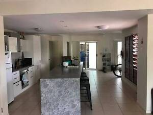 Room available in student sharehouse Townsville City Preview