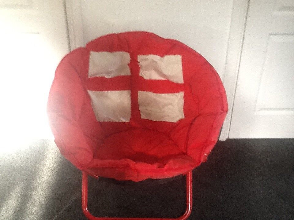 Padded fold up chair ideal for gaming camping