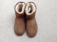 UGG ankle boots brand new never worn size 6